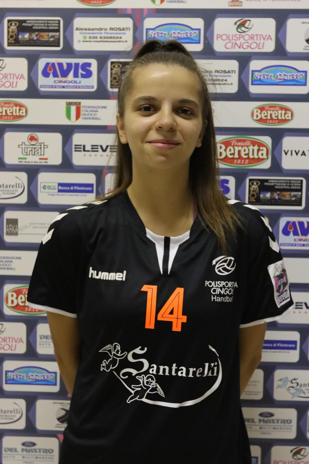 14 – Chiara Bartolucci : Centrale/Ala